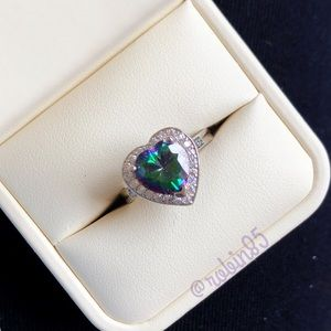 Jewelry - Diamond Heart Ring ❤️ color changing